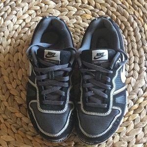NICE❣️Nike 5.0 Free Waffle sneakers size 8